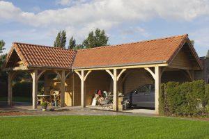 houten carport in hoekvorm